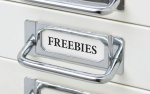 Re-engagement-Email-Freebies-Customer-Retention-Outsourced-Marketing